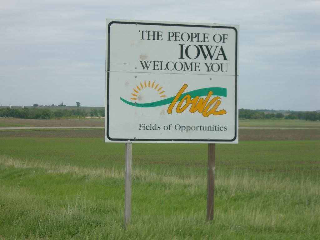 Photo of welcome to Iowa