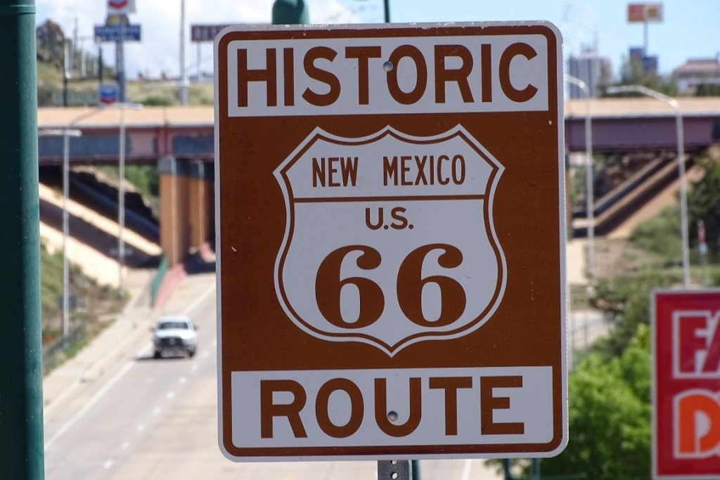 image of route 66 sign