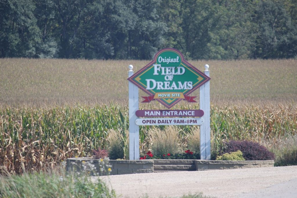 field of dreams shooting location sign