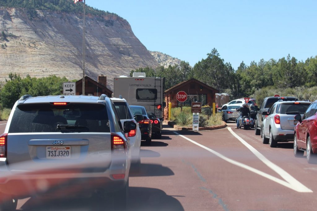 image of zion national park entrance